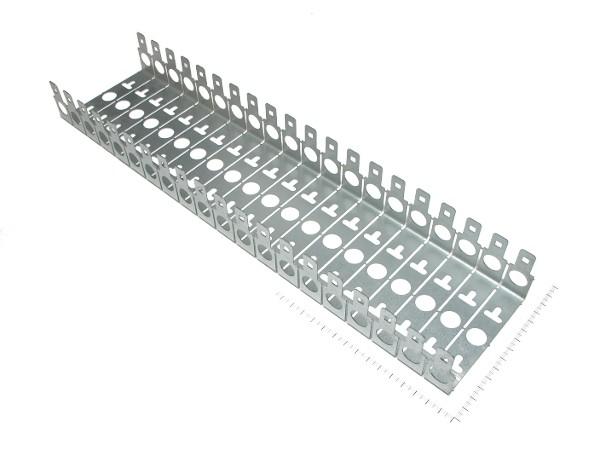 Хомут монтажный (универсальный) под 20 плинтов (металл)