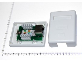 Розетка 8p8c(одинарная) экранированная 5кат.